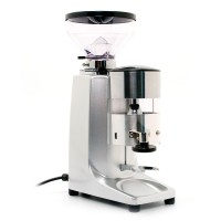 Quamar M80 Manual Grinder in Silver
